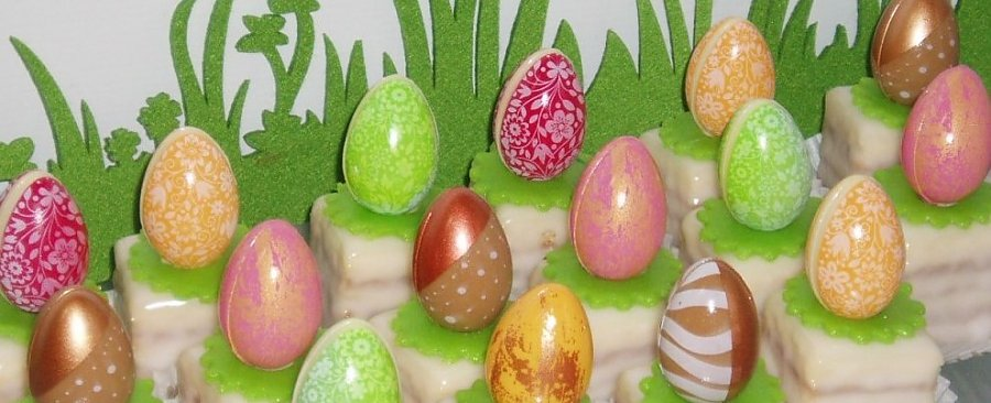 OSTERN FOURS